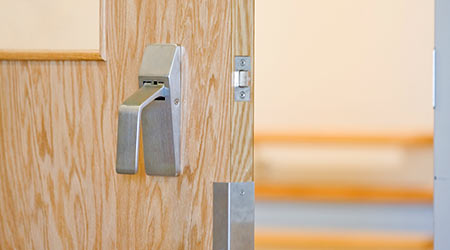 Hospital Door Handles Called Significant Source of MRSA