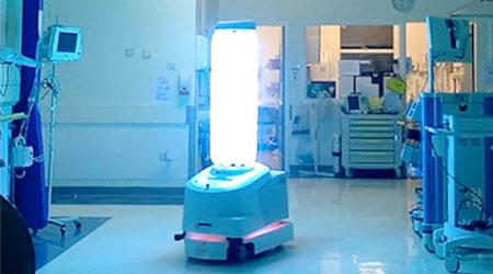 A UV robot disinfecting an ER room