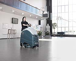 SC 1500 REV Stand-On Scrubber: Advance
