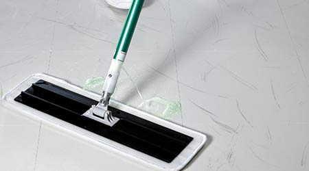 Easy Scrub Flat Mop Tool with Pad Holder: 3M Commercial Solutions Division