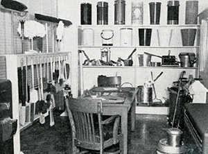 A typical jan/san distributor's showroom in the '40s. A well-organized space suggested similar notions about the company.